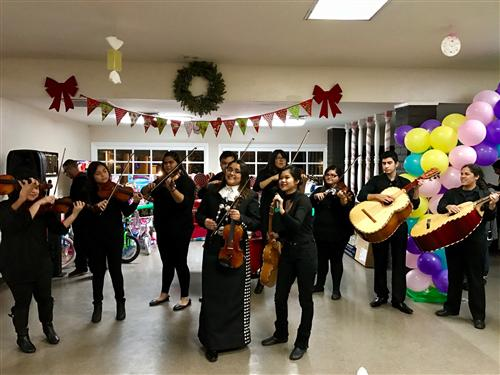 Mariachi de Tempe performs at community holiday party