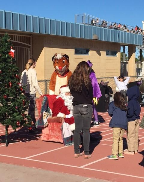 McClintock hosts Smiles of Christmas